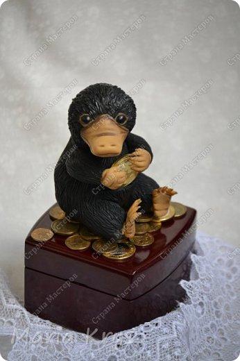 Здравствуйте, дорогие мастера и мастерицы. Сегодня я к вам с фото любителя монеток и золотишка - Нюхлем. фото 1
