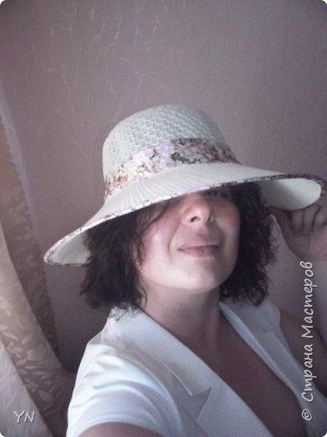 """украшение на шляпку сделано из фоамирана, """"ягод в сахаре"""", и органзы... фото 2"""
