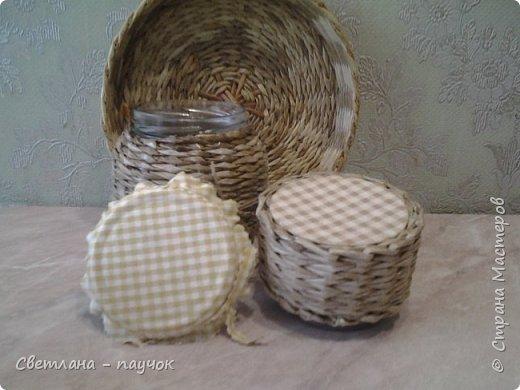 Это баночки для сыпучих продуктов.баночки оплела,крышечки-обклеила тканью и покрыла все лаком фото 3