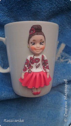 Вот такая кружка с куколкой для малышки Арины подарок.