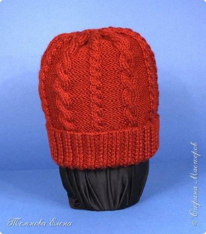 Вот такая простенькая шапочка связалась у меня весной. Название пряжи не помню, состав шерсть + шёлк. В работе очень понравилась: ровная без узелков, приятная на ощупь. фото 1