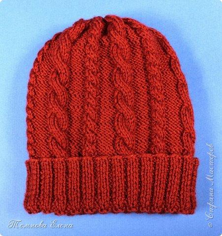 Вот такая простенькая шапочка связалась у меня весной. Название пряжи не помню, состав шерсть + шёлк. В работе очень понравилась: ровная без узелков, приятная на ощупь. фото 2