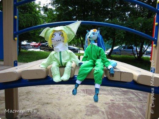 Лето чудесная пара для творчества. И мы с парнями решили погулять. Лис ещё не совсем готов, но всё это скрылось за зеленой пижамой. Я очень торопился, потому что мы хотим участвовать в конкурсе костюмов! Но попутно делимся с вами этим позитивным днём: прогулка удалась!   фото 7