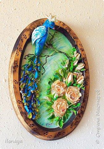 Птица из гипса .Розы и листики из обломков ракушек.Хвост птицы тоже ракушки. фото 1