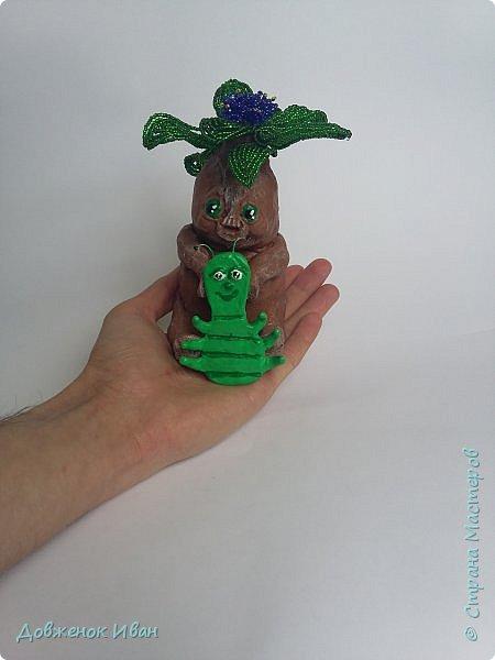 """Вот и закончился курс и у меня появилась вот такая работа Цветок мандрагоры """"Милочка и гусяшка"""" . Первый опыт в школе Мини . Ещё один шаг научится делать работы в скульптурном бисере.   Цветок мандрагоры """"Милочка и гусяшка"""" - была сделана на форуме Саната, под руководством Натальи (NaTaLkA35), по авторскому мк Нате - Наталёк.  фото 2"""