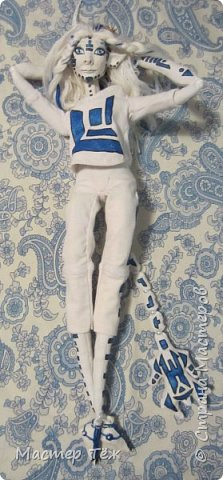 Сегодня я вам покажу ещё одну куклу с множеством костюмов. Фото будет предостаточно! Это Вильф - белокожий демон. Нет, не альбинос. Он весьма молод, что заметно по взгляду. фото 32