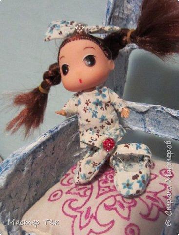Сегодня я вам покажу ещё одну куклу с множеством костюмов. Фото будет предостаточно! Это Вильф - белокожий демон. Нет, не альбинос. Он весьма молод, что заметно по взгляду. фото 57