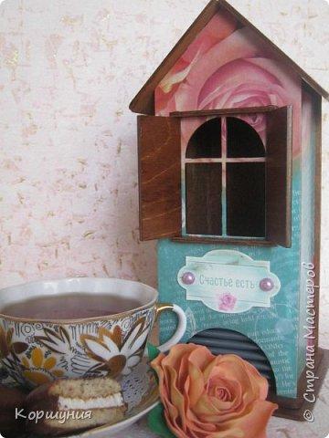 Здравствуйте!Показываю вам очередной домик для чайных пакетиков,на этот раз со ставнями.  фото 10