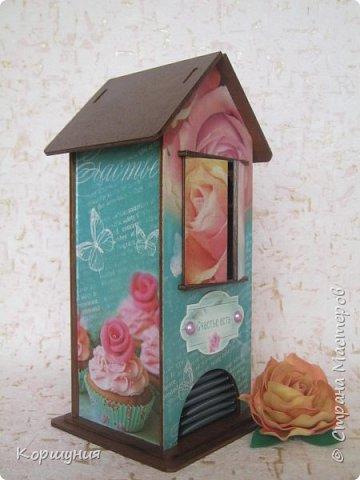 Здравствуйте!Показываю вам очередной домик для чайных пакетиков,на этот раз со ставнями.  фото 2