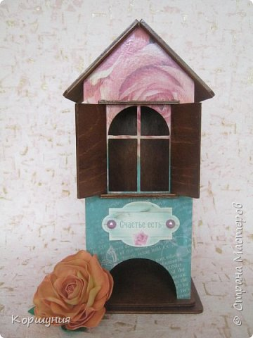 Здравствуйте!Показываю вам очередной домик для чайных пакетиков,на этот раз со ставнями.  фото 4