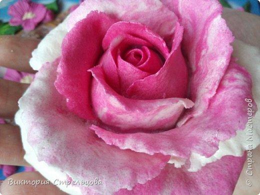Двухцветная роза из солёного теста