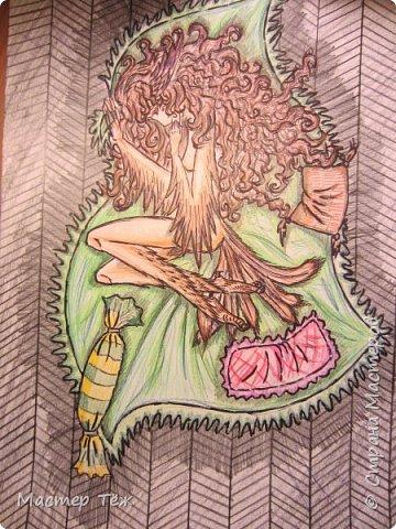 Иногда я рисую, но сейчас всё реже. Всё хочу научить себя делать рисунки по каждой кукле и класть в комплект, но пока с этим не выходит... Но думаю после отпуска у меня появится эта привычка. Да, и тем более я купил новый акварельные карандаши фирмы Koh-i-Noor Hardtmuth, аж 36 цветов и оттенков, так что дело наладится.  Пока просто насколько моих прежних работ за это время.  К слову, это Нё (http://stranamasterov.ru/node/950219)  эскиз рисую простых парандашём, затем дорисовываю детали чёрной ручкой, раскрашиваю и сверху ещё раз прохожусь ручкой создавая тени и фактуру. фото 8
