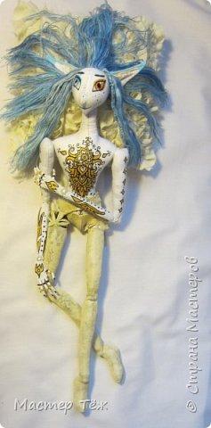 Сегодня я покажу вам как создаю болванок для своих текстильных кукол. Процесс создания тела очень долгий и трудоемкий, поэтому болванками таких кукол тоже сложно назвать.   У меня по моей схеме вышел вот такой парень. рост 45 см.  Запаситесь терпением, работа трудоёмкая!!!  фото 57