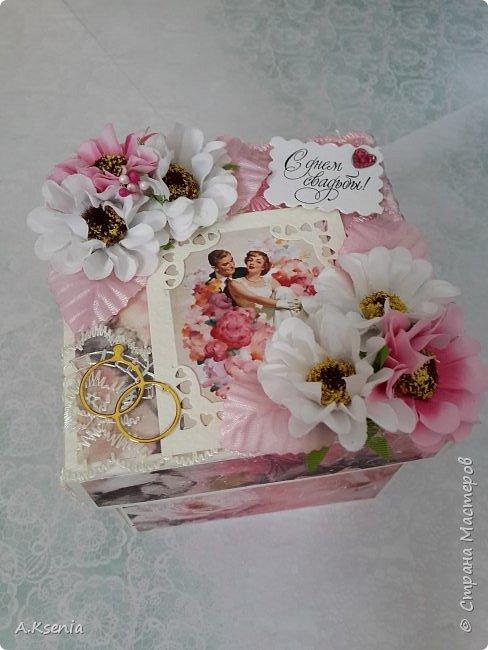 Всем привет! Сегодня хочу поделиться с Вами коробочками, которые у меня получились на заказ ко дню свадьбы и на день рождения. Одна из коробочек выполнена в красно-серой цветовой гамме и имеет размер 14х14 см. Вот и она... фото 7