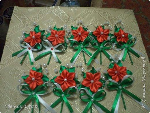 Поступил заказ сделать бутоньерки друзьям жениха и браслеты подружкам невесты на красную свадьбу. Вспомнила, что видела прекрасный МК  по изготовлению бутоньерок у мастерицы Tatyana B. (http://stranamasterov.ru/node/1088422?c=favorite). Огромное спасибо, очень помог МК- делалось легко, быстро, показываю Вам, дорогие друзья, что у меня получилось.  фото 1