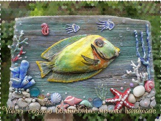 """Дорогие ДРУЗЬЯ, всем Вам доброго времени!!!  Давно я мечтала создать состаренную картину в морском стиле и наконец то мои ручки """"дошли"""" до этого процесса:)) Для работы понадобились кораллы определённых цветов, а в наличии было только несколько маленьких веточек совершенно не подходящего цвета и вида... Тут вспомнила, что где то в интернете встречала кораллы вроде как из цветного термо-клея, искать не стала, просто воспользовалась оригинальной идеей, которой с радостью поделюсь с Вами! Кстати, картина сделана полностью с нуля и рама тоже)) фото 29"""