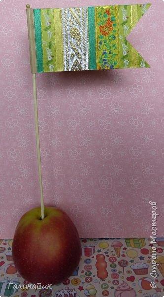 Всем добрый вечер! Предлагаю в качестве оформления праздничного стола (детского или взрослого) сделать флажки. фото 10