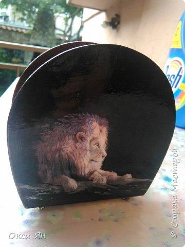 А вот какая подставка у меня смастерилась для брутального мужчинки-охотника.Цвет коричневый с красным отливом. фото 1