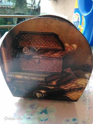 А вот какая подставка у меня смастерилась для брутального мужчинки-охотника.Цвет коричневый с красным отливом. фото 4