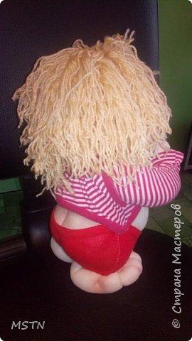 Домовенок Харитошка. Старая детская футболка + волосы из акриловых ниток. Каркас из проволоки.  фото 2