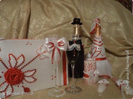 Сделаны еще два свадебных набора в красно-белом цвете.  Что-то у нас этот цвет  в этом году востребован молодыми парами для украшения свадеб.  фото 1