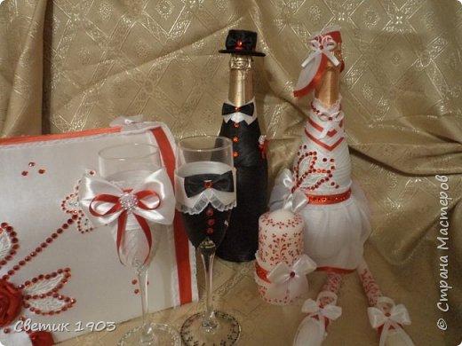 Сделаны еще два свадебных набора в красно-белом цвете.  Что-то у нас этот цвет  в этом году востребован молодыми парами для украшения свадеб.  фото 2