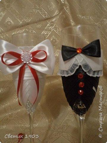 Сделаны еще два свадебных набора в красно-белом цвете.  Что-то у нас этот цвет  в этом году востребован молодыми парами для украшения свадеб.  фото 6