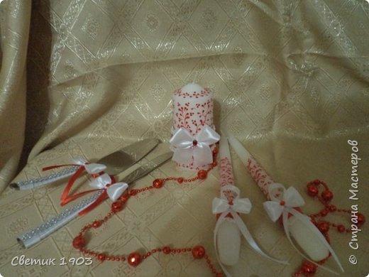 Сделаны еще два свадебных набора в красно-белом цвете.  Что-то у нас этот цвет  в этом году востребован молодыми парами для украшения свадеб.  фото 10