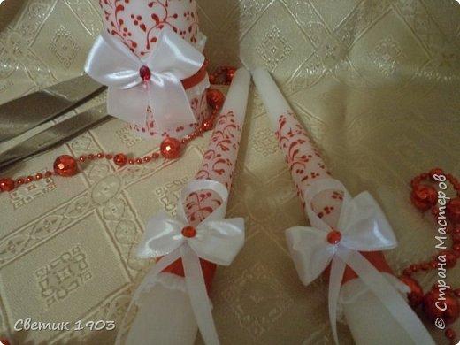 Сделаны еще два свадебных набора в красно-белом цвете.  Что-то у нас этот цвет  в этом году востребован молодыми парами для украшения свадеб.  фото 11