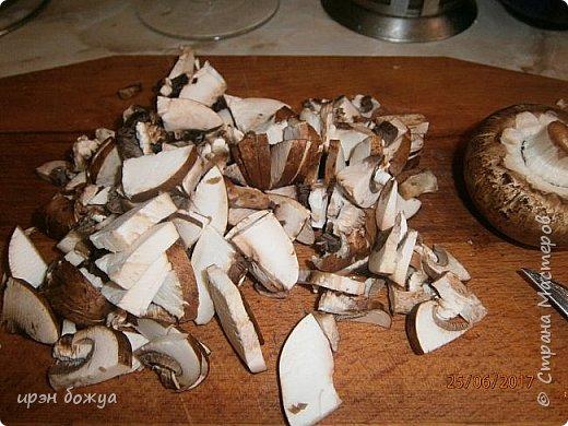 Приготовила семье для разнообразия грибную похлебку с пшеном. Готовиться быстро и вкусно. фото 4