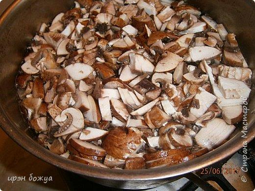 Приготовила семье для разнообразия грибную похлебку с пшеном. Готовиться быстро и вкусно. фото 5