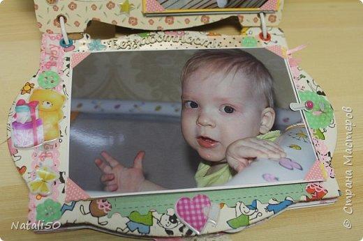 Доброго всем вечера!! Сегодня у моей любимой внучки День Рождения!! Нам 1 годик !! Закончила альбом ,осталась 1 страничка для фото со Дня Рождения. Завтра отпразднуем и добавлю фото . фото 17