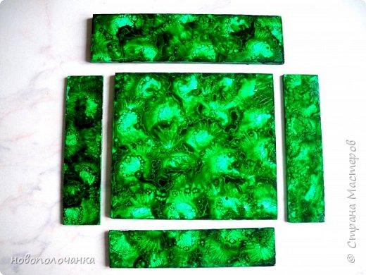 Здравствуйте  дорогие мастера и  мастерицы. Сейчас для племянника я делаю  сувенирную шкатулку Сигаретница.  Любимый цвет племянника – зелёный.  Пробую делать   имитацию малахита. Как я её  делаю и что получилось,  делюсь с вами. фото 26