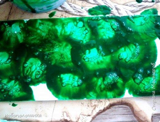 Здравствуйте  дорогие мастера и  мастерицы. Сейчас для племянника я делаю  сувенирную шкатулку Сигаретница.  Любимый цвет племянника – зелёный.  Пробую делать   имитацию малахита. Как я её  делаю и что получилось,  делюсь с вами. фото 17