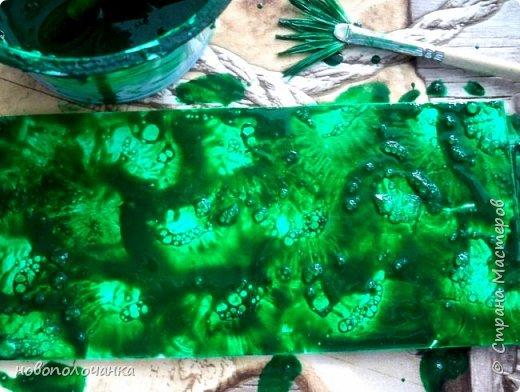 Здравствуйте  дорогие мастера и  мастерицы. Сейчас для племянника я делаю  сувенирную шкатулку Сигаретница.  Любимый цвет племянника – зелёный.  Пробую делать   имитацию малахита. Как я её  делаю и что получилось,  делюсь с вами. фото 19