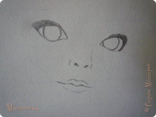 Добрый вечер!  Сегодня я покажу вам, как нарисовать Алису из сказки Льюиса Кэрролла. Нам нужны: простой карандаш, ластик, цветные карандаши (у меня 24 цвета), коричневая, черная и зеленая ручки, белый линер (белая ручка). Ну и, естественно, бумага, на которой вы будете рисовать... фото 8