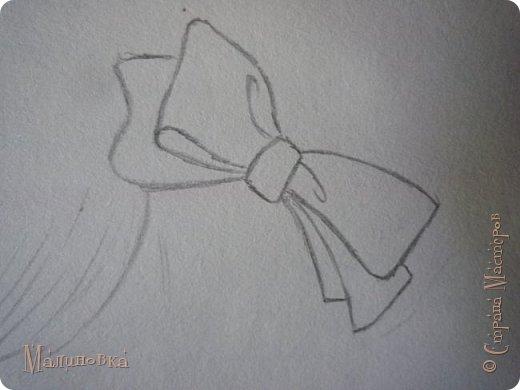 Добрый вечер!  Сегодня я покажу вам, как нарисовать Алису из сказки Льюиса Кэрролла. Нам нужны: простой карандаш, ластик, цветные карандаши (у меня 24 цвета), коричневая, черная и зеленая ручки, белый линер (белая ручка). Ну и, естественно, бумага, на которой вы будете рисовать... фото 22