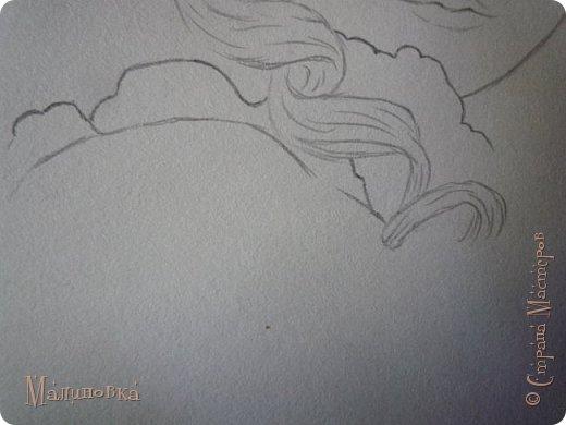 Добрый вечер!  Сегодня я покажу вам, как нарисовать Алису из сказки Льюиса Кэрролла. Нам нужны: простой карандаш, ластик, цветные карандаши (у меня 24 цвета), коричневая, черная и зеленая ручки, белый линер (белая ручка). Ну и, естественно, бумага, на которой вы будете рисовать... фото 28