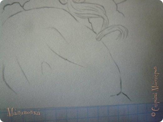Добрый вечер!  Сегодня я покажу вам, как нарисовать Алису из сказки Льюиса Кэрролла. Нам нужны: простой карандаш, ластик, цветные карандаши (у меня 24 цвета), коричневая, черная и зеленая ручки, белый линер (белая ручка). Ну и, естественно, бумага, на которой вы будете рисовать... фото 33