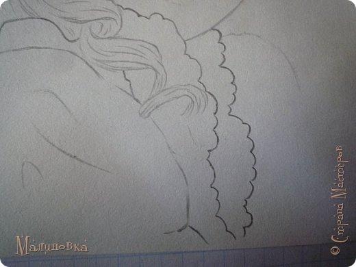 Добрый вечер!  Сегодня я покажу вам, как нарисовать Алису из сказки Льюиса Кэрролла. Нам нужны: простой карандаш, ластик, цветные карандаши (у меня 24 цвета), коричневая, черная и зеленая ручки, белый линер (белая ручка). Ну и, естественно, бумага, на которой вы будете рисовать... фото 36
