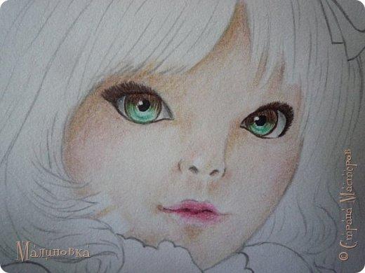Добрый вечер!  Сегодня я покажу вам, как нарисовать Алису из сказки Льюиса Кэрролла. Нам нужны: простой карандаш, ластик, цветные карандаши (у меня 24 цвета), коричневая, черная и зеленая ручки, белый линер (белая ручка). Ну и, естественно, бумага, на которой вы будете рисовать... фото 49