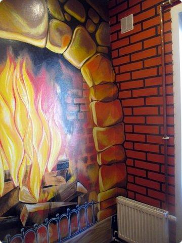 Не прошло и года, как я добралась до этих фото)  Роспись стены. Вся работа выполнена вручную кистями без применения аэрографа. фото 6