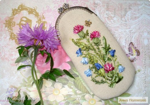 Дорогие мастерицы!  Сшила два очечника, украшенные вышивкой шелковыми лентами. фото 5