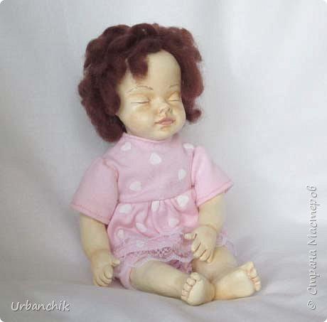 Малышей лепила по МК Юлинка1 Арина, 24см. Тело мяконабивное,руки до локтей, ноги до колен, голова из самоотвердевающего пластика. фото 3
