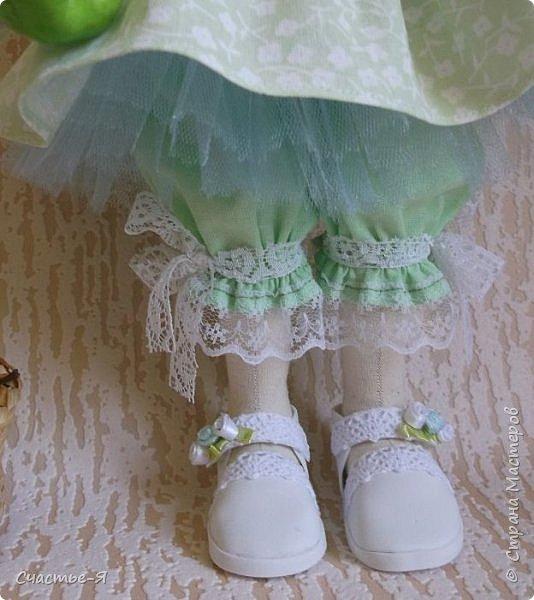 Привет Страна!) Сегодня у меня вот такая девочка- Леночка-пеночка . Кукла текстильная , выкройка моя .Внутреннее пуговичное крепление ручек , ножки тоже на пуговичном креплении , ножки сгибаются в коленочках.  фото 5