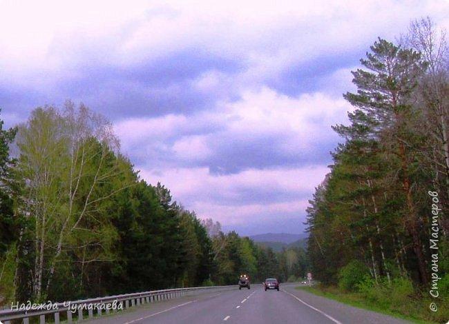 По дороге в Горно-Алтайск мы ездим очень часто, все уже должно бы примелькаться, но нет! Этой красотой налюбоваться невозможно. фото 1