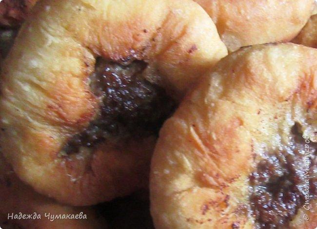 Ели ли вы пирожки с сырой картошкой, жаренные на масле? Уже много лет в нашей семье пирожки с толчёнкой не любит никто, уж очень они пресны, особенно без добавок.  фото 8