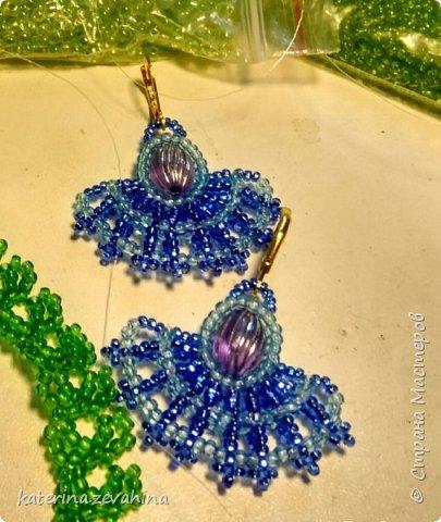 Когда плету ожерелье, обязательно делаю и серёжки. Но иногда мастерю их и просто так, без комплекта. фото 2