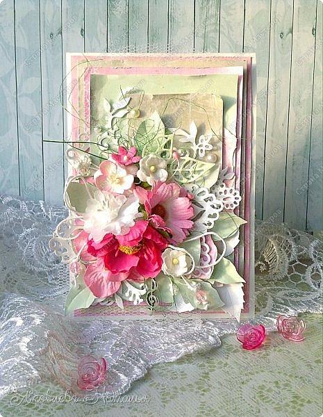 Приветствую всех, кого заинтересовали мои открыточки. Решила показать ещё две цветочных, которые я делала в рамках одного из совместных проектов.  Первая - в мятно-сиреневых тонах. Одна из моих любимых цветовых гамм. фото 4