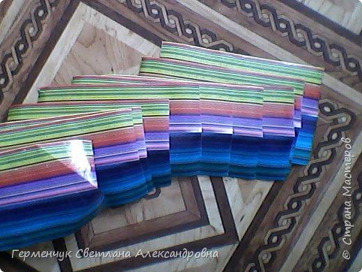 Представляю вашему вниманию  сувенирную объемную рыбку ( оригами) , которую можно использовать как упаковку небольшого подарка .(Увидела в Интернете) фото 11